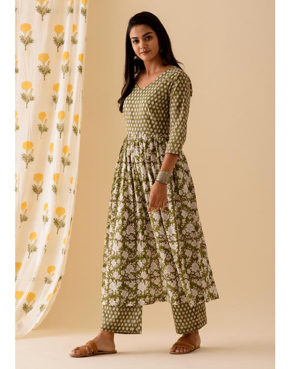 Green block printed kurta and palazzo-set of two 2