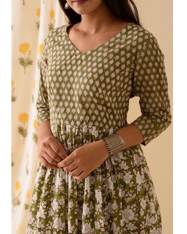 Green block printed kurta and palazzo-set of two 1