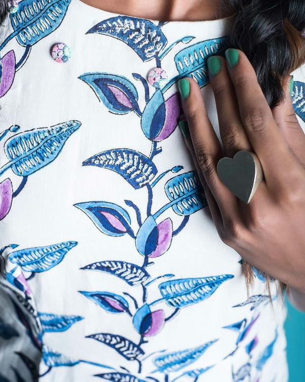 Multi colour floral pleat insert dress 2