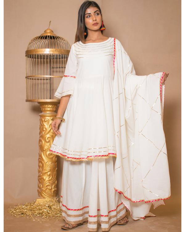 Off white kurta and skirt with dupatta - set of three 2