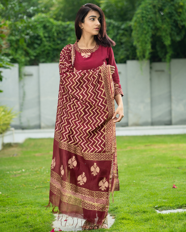 Maroon Chanderi Cotton Suit Set with Gold Printed Motifs - Set of Three 5