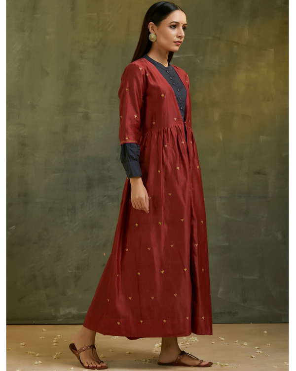 Maroon and navy blue embroidered chanderi jacket set- Set of two 2