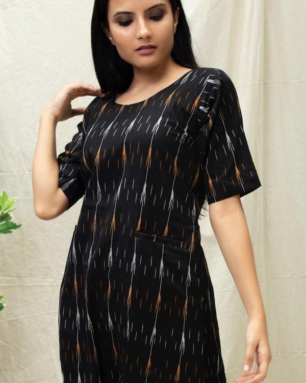 Black Ikat printed kurta with pockets 1