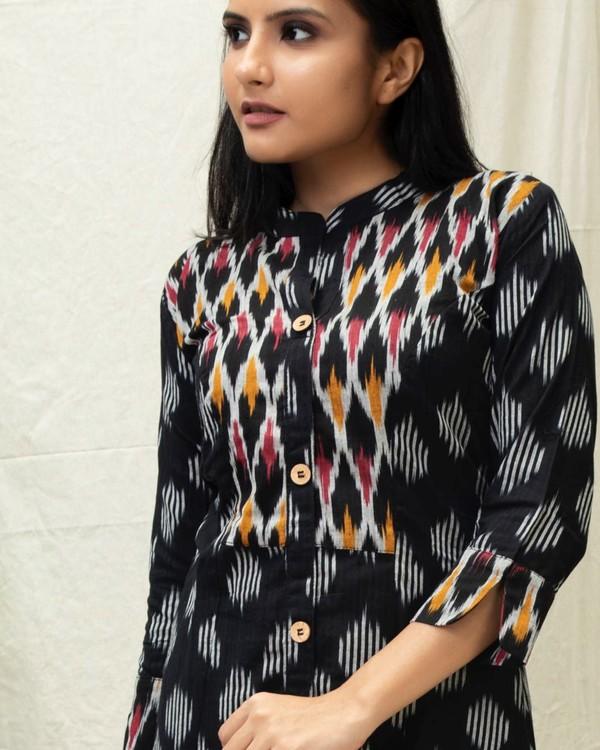 Black Ikat printed kurta with contrast yoke 1