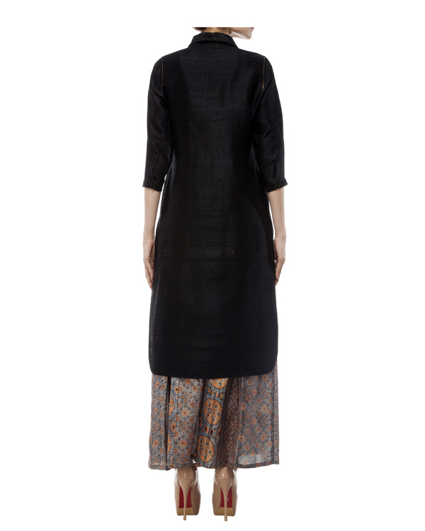 Black tunic with ajrakh detailing 3