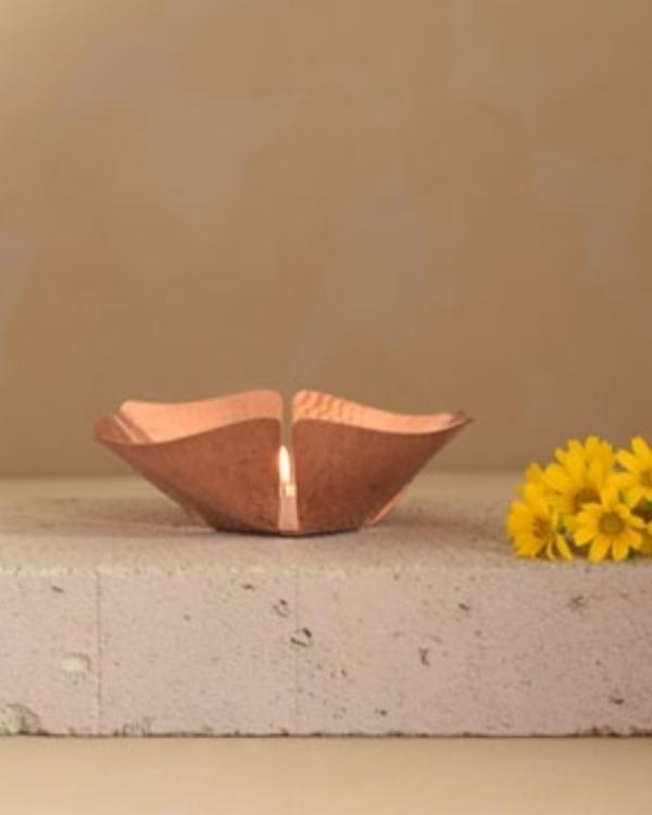 Foliole copper tea light holder 1