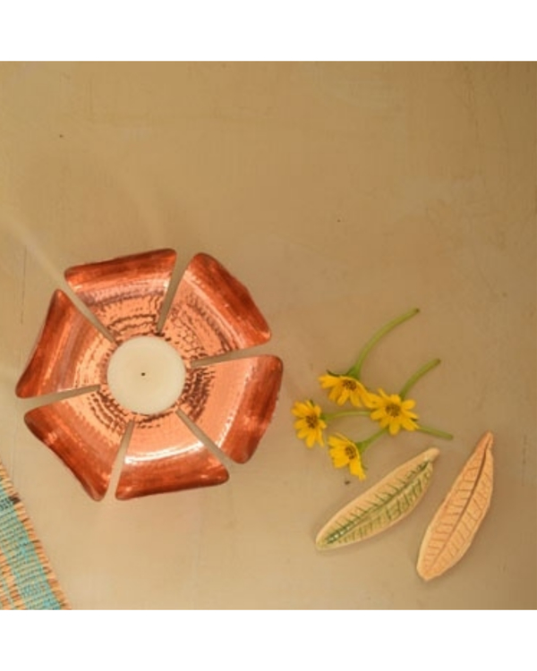 Petiole copper tea light holder 2
