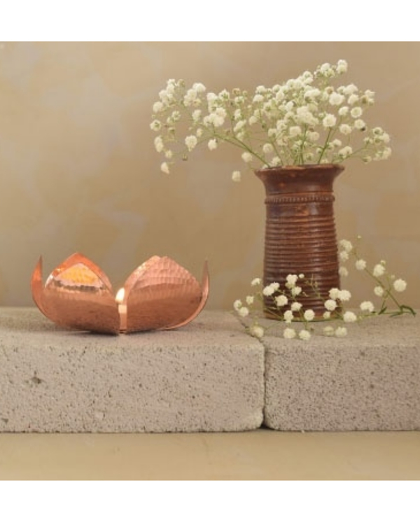 Petiole copper tea light holder 1
