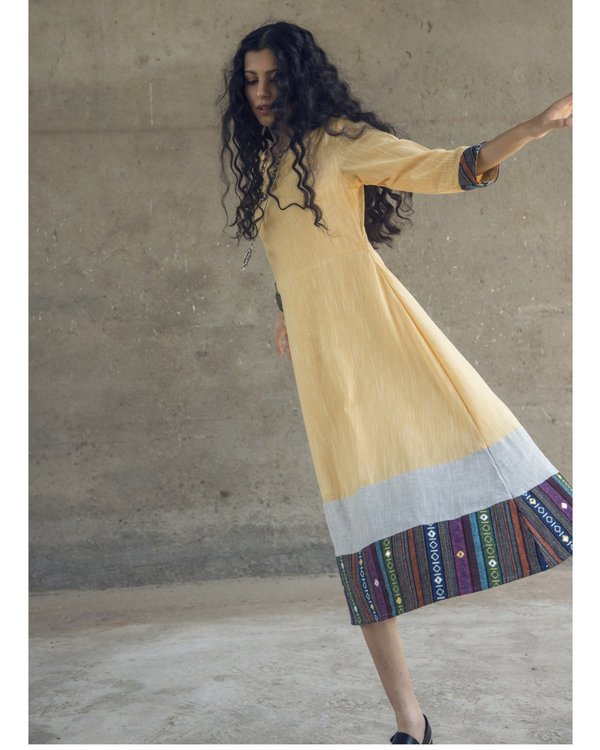 Yellow mirror embroidered cotton maxi dress 3