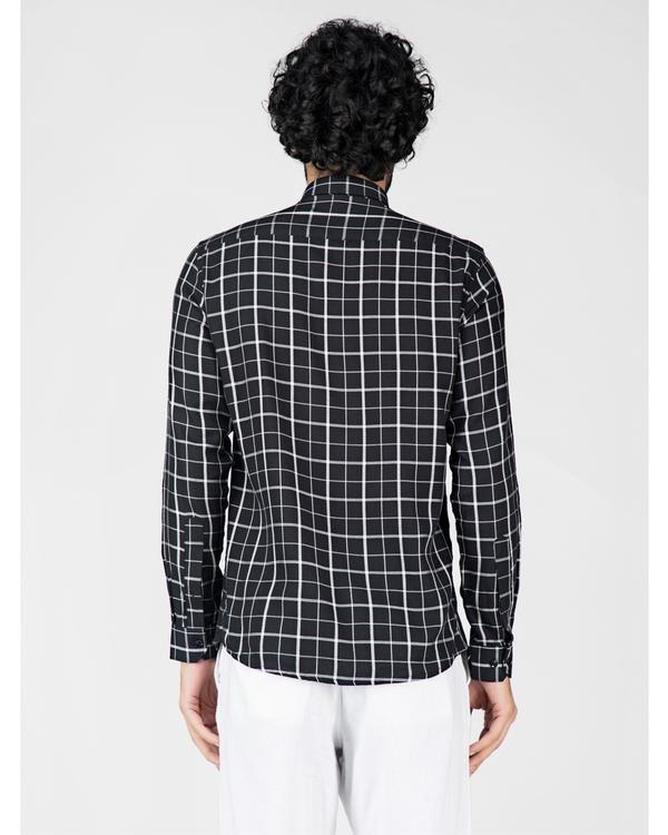 Black and white graph checkered shirt 3