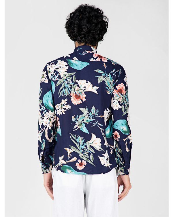 Blue and white floral printed casual shirt 3