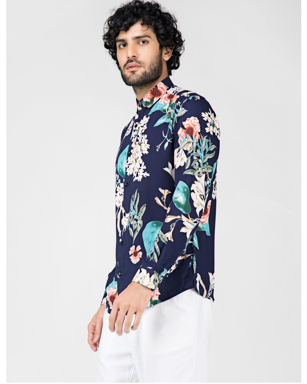 Blue and white floral printed casual shirt 2