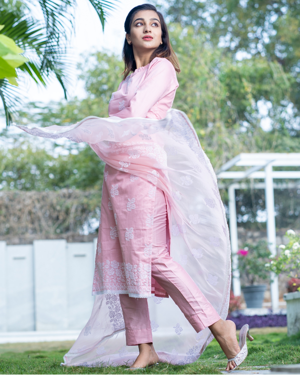 Pink cross stitch embroidered kurta set with dupatta- set of three 4