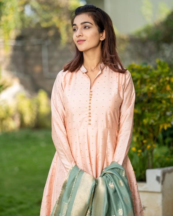 Pastel peach paneled dress with banarasi dupatta- set of two 1