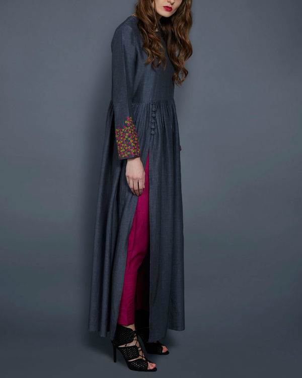Grey tunic with embroidered sleeves 1