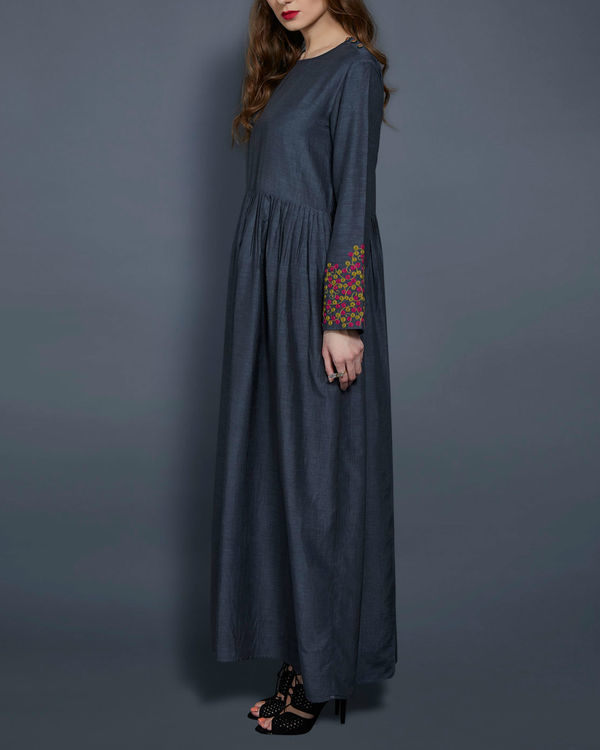 Grey tunic with embroidered sleeves 2
