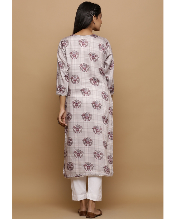 Ivory checkered kurta with floral prints 3