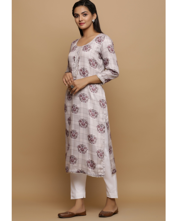 Ivory checkered kurta with floral prints 2