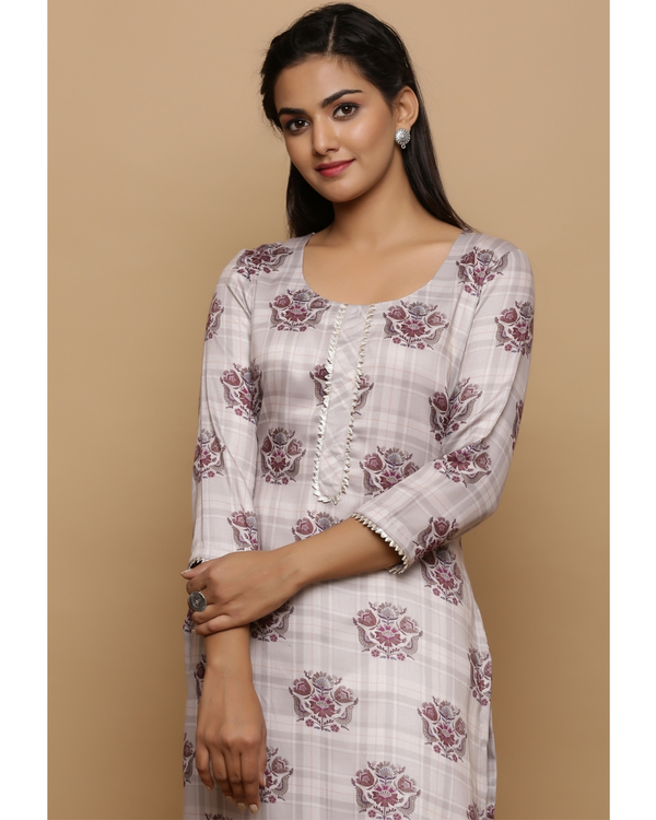 Ivory checkered kurta with floral prints 1