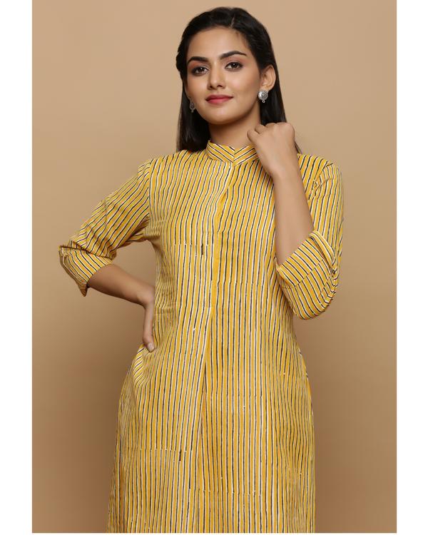 Yellow striped cotton kurta 1