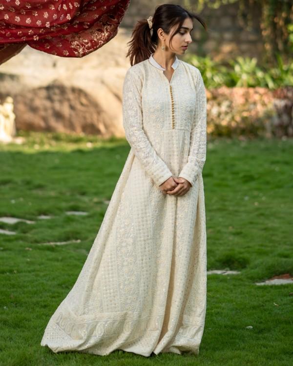 Off white embroidered dress and maroon banarasi dupatta set- set of two 2