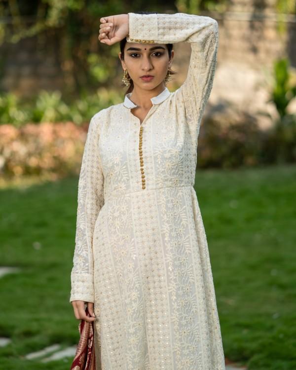 Off white embroidered dress and maroon banarasi dupatta set- set of two 1