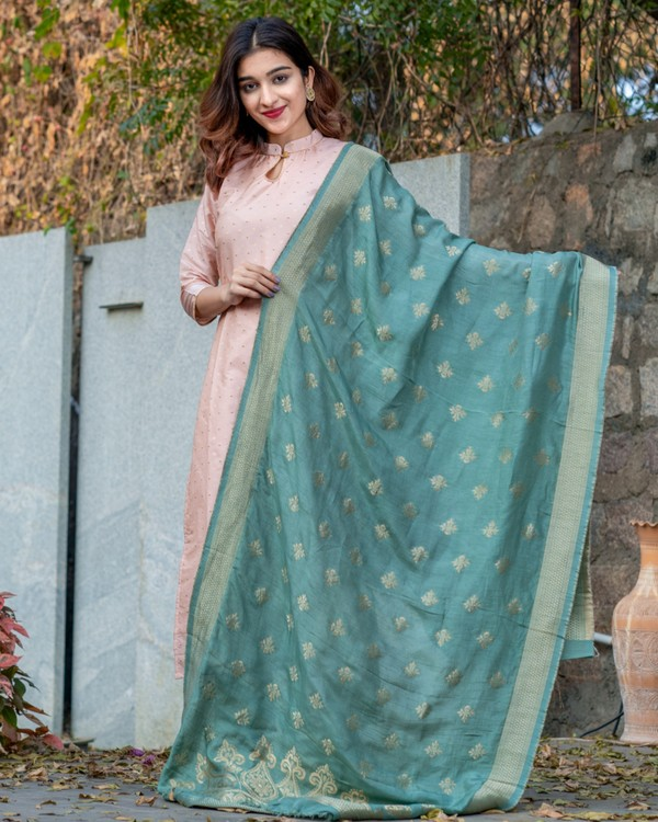 Pearl pink banarasi kurta and pants set with teal blue dupatta- set of three 3