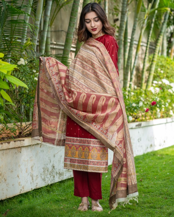 Maroon floral kurta and pants with dupatta set- set of three 3