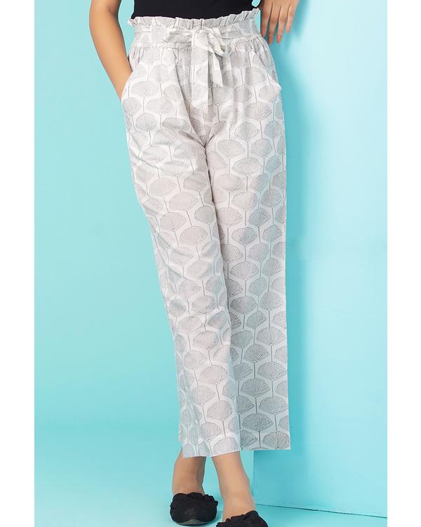 Light grey bloom paper bag pants 1