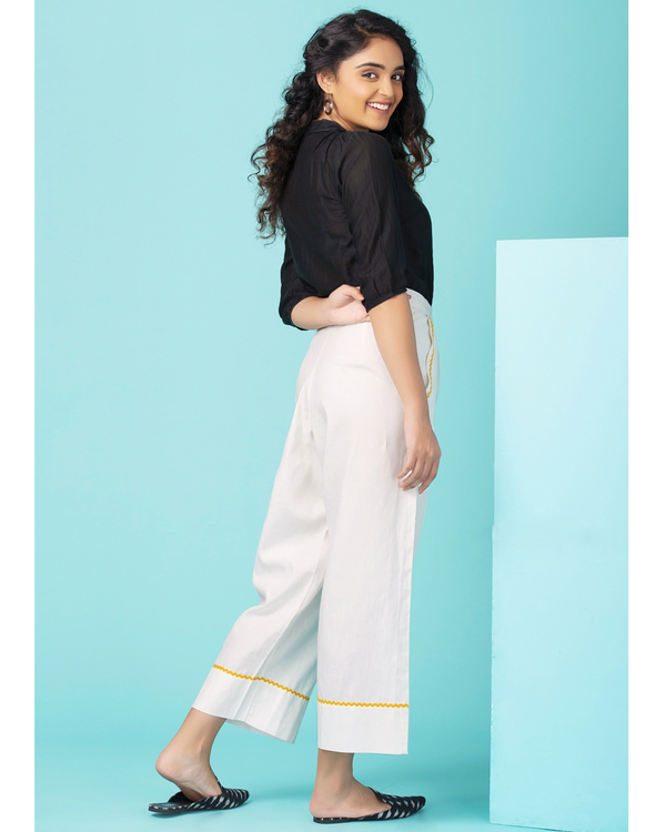 White contrast trim pants 2
