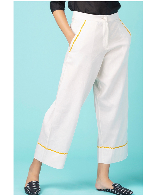 White contrast trim pants 1