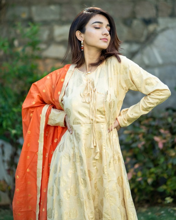 Light beige and orange printed flared dress with dupatta set- set of two 1