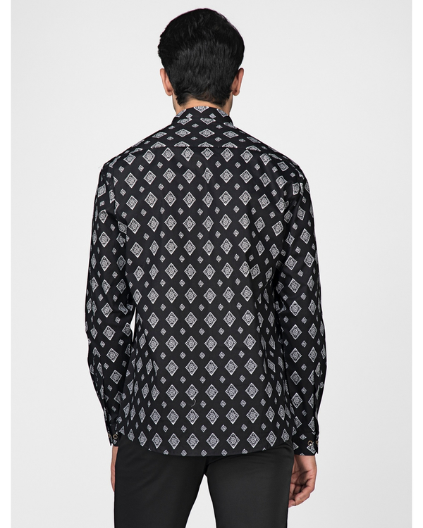 Black and white diamond printed shirt 3