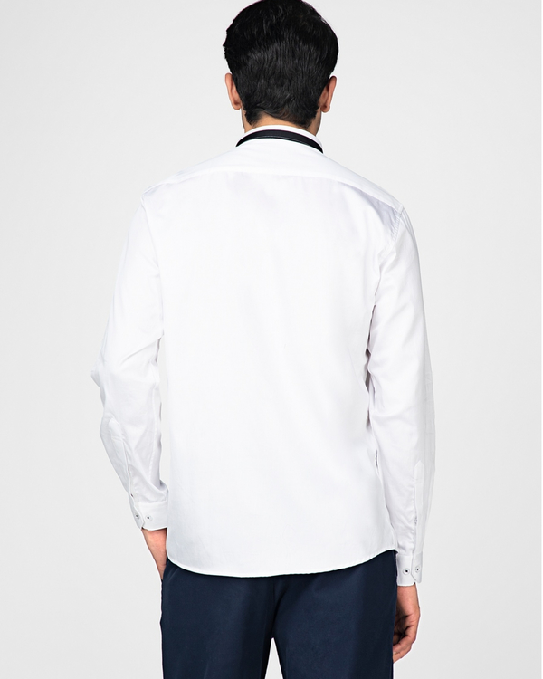 White casual shirt with contrast paneled collar 3