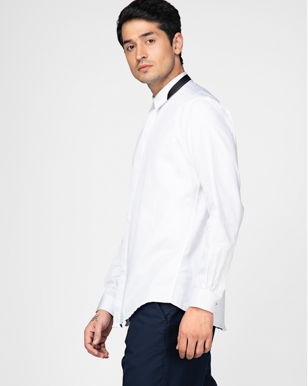 White casual shirt with contrast paneled collar 2