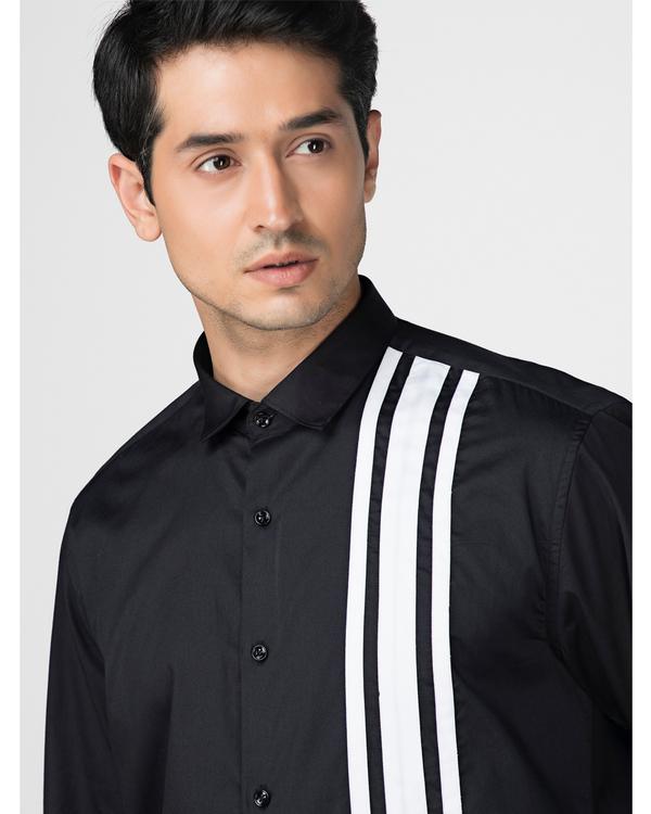 Black and white tri panels striped shirt 1