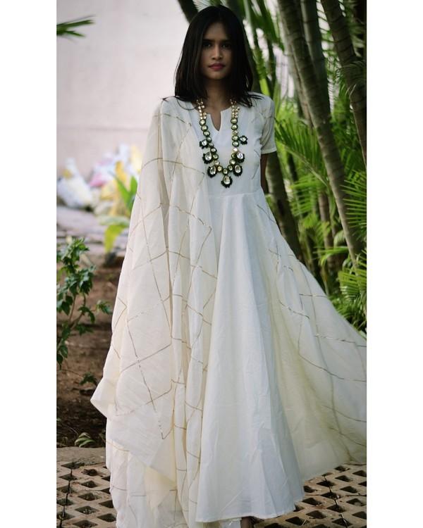 White diamond cage gota dress and dupatta set- set of two 1