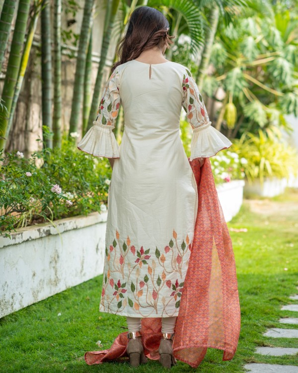 Off white floral embroidered kurta with red printed chanderi dupatta set- set of two 3