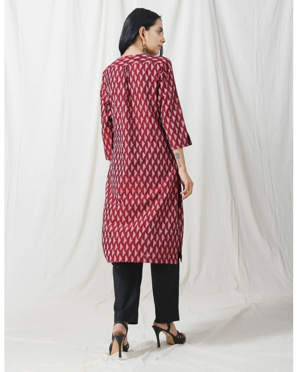 Brown ikat buttoned kurta with pocket 3