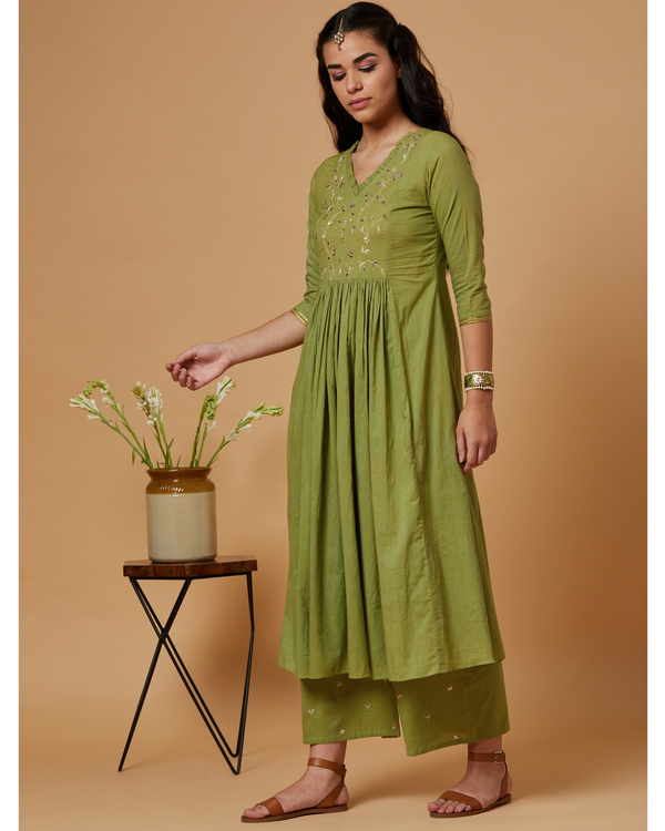 Green floral gathered kurta 1