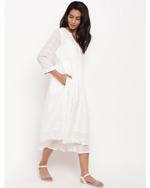 White floral buttoned kurta 2
