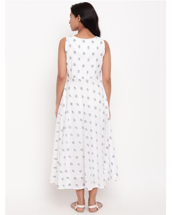 White and black printed dress 2