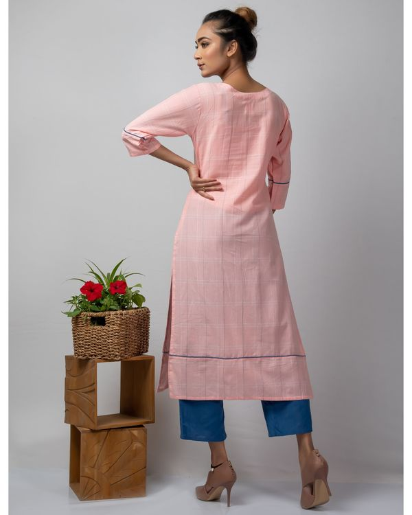 Pink checkered straight kurta with kantha work 3