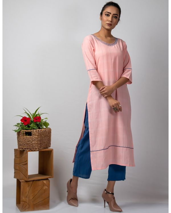 Pink checkered straight kurta with kantha work 2