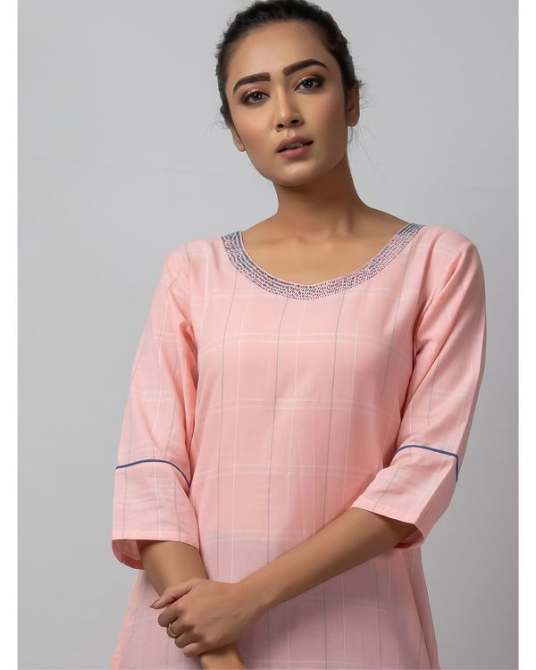 Pink checkered straight kurta with kantha work 1