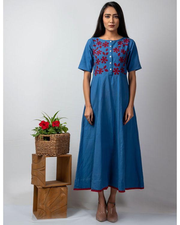 Blue floral applique buttoned kalidaar kurta 2