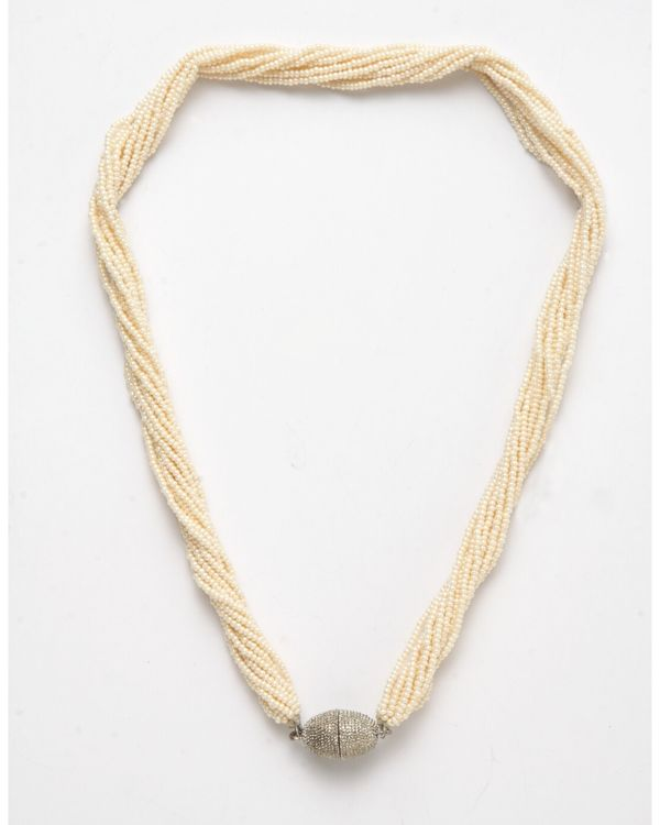 Pearl string neckpiece 1
