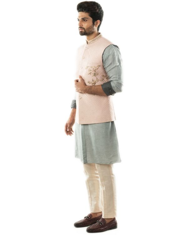 Pink hand embroidered nehru jacket with quilting detail 2