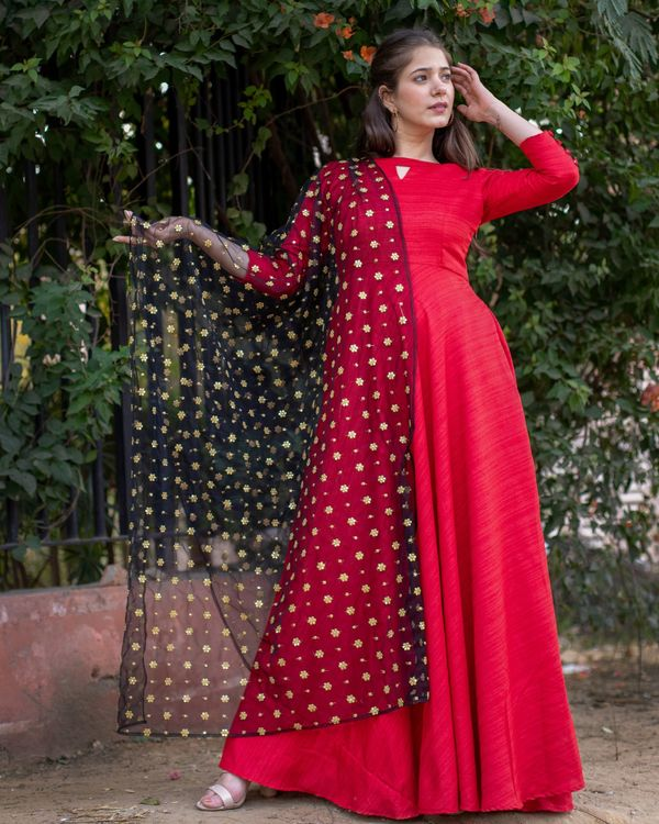 Red flared anarkali and embroidered dupatta- Set Of Two 2