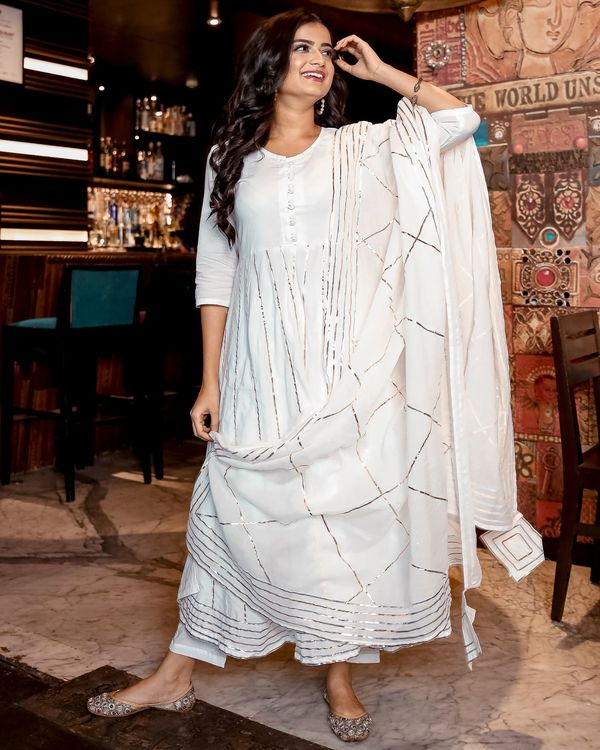 White gota anarkali kurta and pants with dupatta- Set Of Three 2